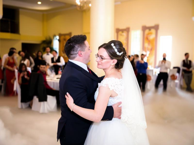 Fotograf nunta Sighisoara-Dansul Mirilor|RGB Studio