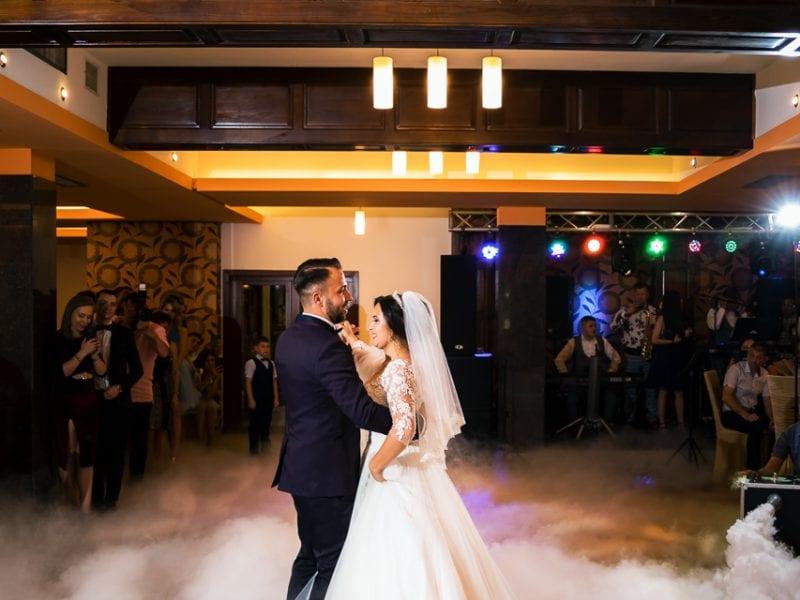 Fotograf nunta Brasov-Dansul mirilor| RGB Studio